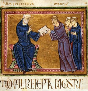 San Benedetto porge la sua Regola a san Mauro e ad altri monaci . Miniatura francese da un manoscritto del 1129, St.Gilles.