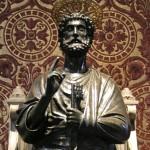 Statua di san Pietro - Arnolfo di Cambio, sec. XIII. Vaticano, basilica di San Pietro.